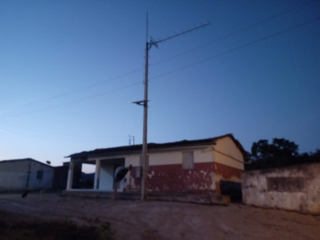 Escola Municipal Firmino Vitalino, localizada no Sítio Serrotinho, zona rural de Dois Riachos
